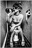 Wallario Poster - Kloparty - Sexy Frau auf Toilette mit
