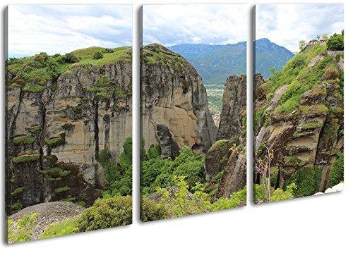 atemberaubende Meteora Landschaft in Griechenland Format: 3-teilig 120x80 als Leinwandbild, Motiv fertig gerahmt auf Echtholzrahmen, Hochwertiger Digitaldruck mit Rahmen, Kein Poster oder Plakat