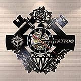 YINU Tattoo Studio Sign Tattoo Nombre Personalizado Silent Vinyl Record Wall Clcok Tattoo Shop Tattoo Decoración de la Pared Hipster Men Gift