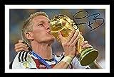 Bastian Schweinsteiger - Germany Signiert und gerahmt Foto