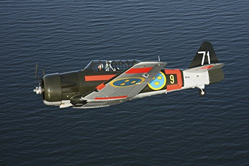 Satenas, Sweden - North American T-6 Texan/Harvard trainer warbird in Swedish Air Force colors Poster Print (34 x 23)