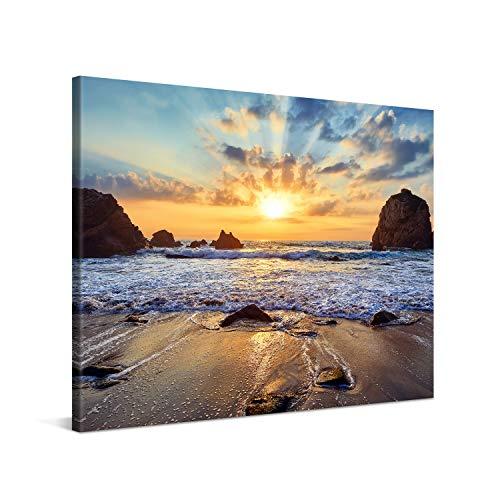 PICANOVA – Quadro su Tela Sunset Over Rocky Beach 100x75cm – Stampa Incorniciata con Spessore di...