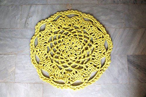Alfombra redonda amarilla de trapillo