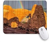 印刷されたマウスパッドレインボーとレッドロックシャドウ、ゲームプレーヤーのオフィス用の装飾的なマウスパッド、デスクの装飾、9.5x7.9インチ