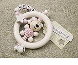 Baby Greifling Rassel Beißring mit Namen - individuelles Holz Lernspielzeug als Geschenk zur Geburt Taufe - Mädchen Motiv Bär und Stern in weiss