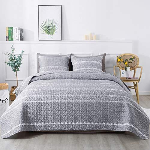 Andency Juego de edredón gris Queen (228 x 228 cm), 3 piezas (1 colcha de patrón triangular a rayas y 2 fundas de almohada), colcha reversible bohemia de microfibra para todas las estaciones