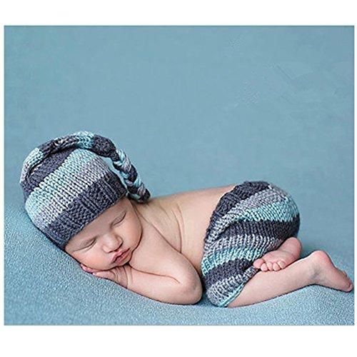 Costume scenografico per bebè alla moda, con berretto e pantaloni fatti a maglia, per servizio fotografico