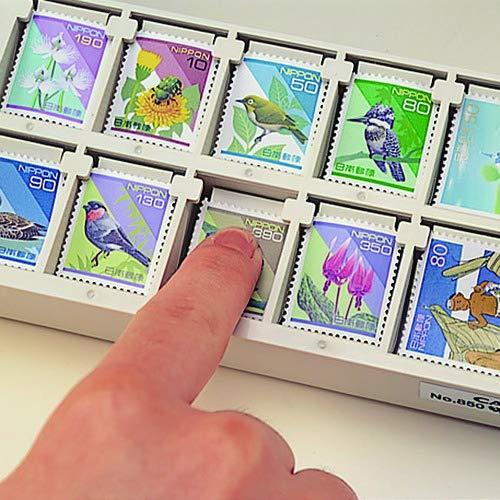 指で切手をプッシュするとバネの力で引き寄せられ、一枚ずつ取り出しやすいプッシュアップ方式を採用。仕切りは10箇所で、一つの仕切りに50枚収納できます。