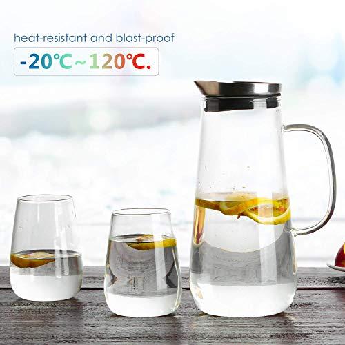 Homfa 1,5 L Glaskaraffe mit 2 gläsern Wasserkaraffe mit Deckel und Glas Griff Wasserkrug Set Glaskrug für Kaltes/warmes Wasser Tee Wein Saft Milch Kaffee Glaskanne