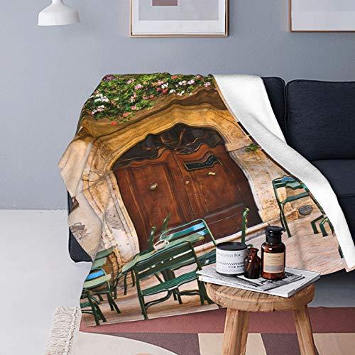 QINCO Doux Micro Toison Couverture de Jet Décor de Maison,Terrasse de café Vide avec des Tables et des chaises,Poids Léger Canapé lit Couette en Flanelle,50\