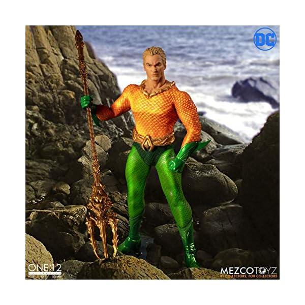 Figura Aquaman 17 cm. One:12. DC Cómics. Mezco Toyz 4
