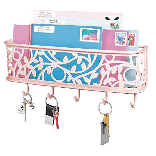 mDesign praktische Briefablage mit Korb für Flur und Küche – kompaktes Schlüsselboard mit 1 Fach für Post und 5 Haken – wandmontiertes Schlüsselbrett aus Metall – rosa