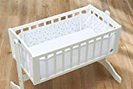 Fits round all four sides without a gap Safe fastenings ensure liner stays securely in place and adjusts to fit cribs and cradles up to 99cm long and 52 cm wide Adjustable hook and loop fastenings and ties ensure a snug and secure fit. Contents: 1 x ...