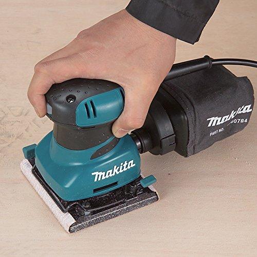 Makita BO4556 240 V Palm Sander Plus Clamp