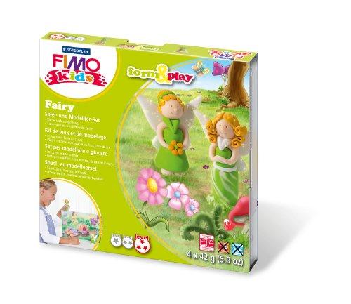 Staedtler 8034 04 LY Fimo kids form&play Set Fairy (superweiche, ofenhärtende Knete, kinderleichte Anleitung, wiederverschließbare Box, Set mit 4 Fimo Blöcken, 1 Modellierstab und 1 Spielkulisse)