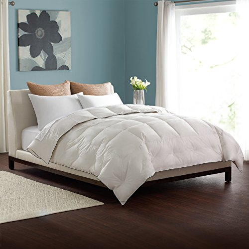 Pacific Coast Light Weight Comforter 300 Thread Count 550 Fill Power...