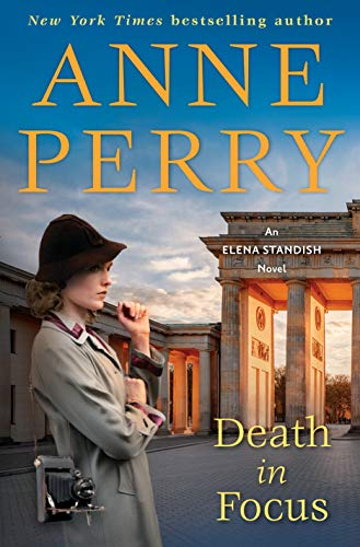 Image of Death in Focus: An Elena Standish Novel
