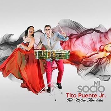 Mi Socio (feat. Melina Almodovar)