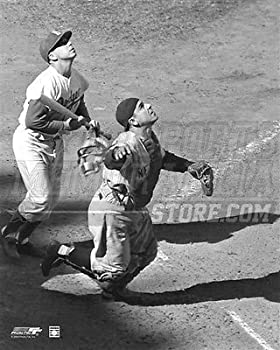 Yogi Berra New York Yankees pop up catching 8x10 11x14 16x20 photo 513 - Size 8x10