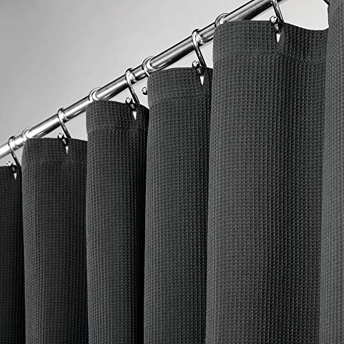 mDesign hochwertiger Duschvorhang mit Waffelgewebe – weicher und pflegeleichter Badewannenvorhang – Spritzschutz aus 100% Baumwolle für die Dusche oder Badewanne – schwarz