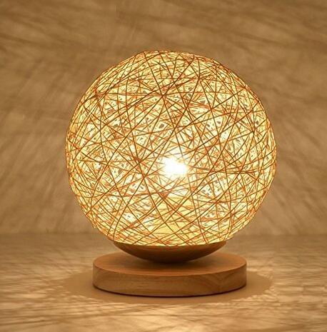 Creative Runde Hanf Ball LED Tischleuchte, handgewebte natürliche Rattan Handwerk hochwertige Nachttisch Beleuchtung dekorative Tischlampe