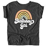 レトロなレインボーのバースデーガール用カラフルシャツ。赤ちゃんと幼児の女の子の誕生日衣装。 US サイズ: Youth - Medium カラー: グレイ