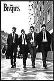 Close Up Beatles Poster (93x62 cm) gerahmt in: Rahmen