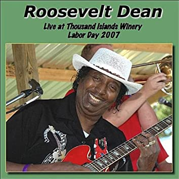 Live at Thousand Islands Winery 2007