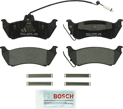 Bosch BP875 QuietCast Premium Semi-Metallic Disc Brake Pad Set For Mercedes-Benz: 1998-2003 ML320, 2003-2005 ML350, 1999 ML430; Rear