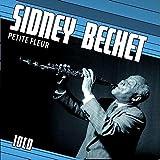 Sidney Bechet plays: Petite Fleur, Jeepers Creepers, Summertime, Wild Man Blues, Blue Horizon, ...