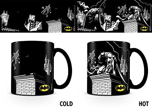 empireposter DC Comics - Batman Shadows - Thermoeffekt Tasse - Größe Ø8,5 H9,5cm