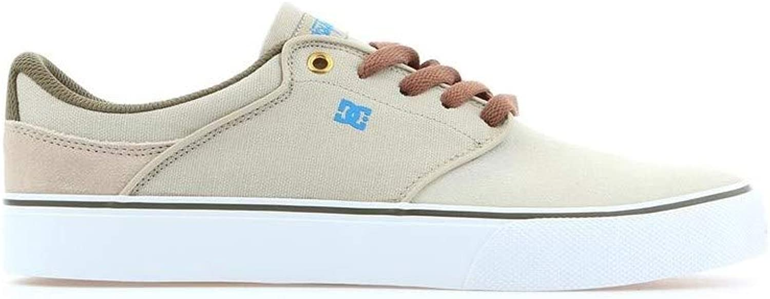 DC Mikey Taylor Vulc Camel Camel  in stadion promotions