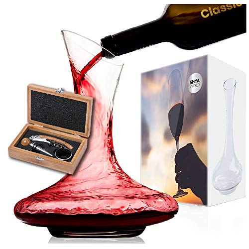 ShyaWorld Decantador De Vino Oxigenador Aireador 1,8L. Botella Decantadora Escanciadora de Cristal Vidrio con Salida Antigoteo. Set de Regalo. Caja de Diseño Incluida. (Decantador + Set)