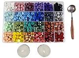 Cordela – Caja de 600 perlas de cera para sellar, 1 cuchara de hierro fundido, 2 velas – 24 colores de cera adhesiva – cera selladora multicolor – cera para sellos – sello retro