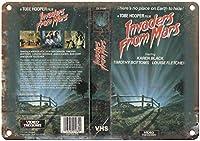火星映画からの侵略者ヴィンテージティンサイン装飾ヴィンテージ壁金属プラークカフェバー映画ギフト結婚式誕生日警告のレトロな鉄の絵画