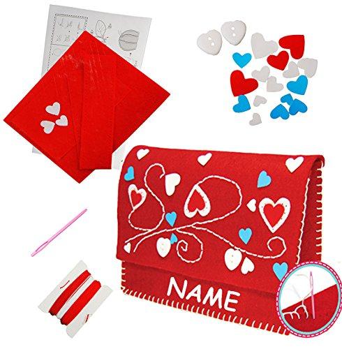 alles-meine.de GmbH Bastelset - Filz Handtasche / Clutch -  Herzen rot  - zum Sticken, einfaches Nähen per Hand - incl. Name - Tasche / Filztasche - Komplettset filzen - Creati..