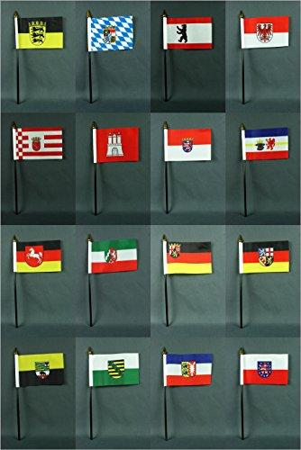 Set kleine Tischflaggen alle 16 Bundesländer 15x10 cm mit 30 cm Mast aus PVC-Rohr, ohne Ständerfuß