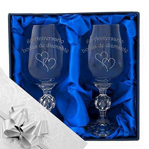 60 aniversario de bodas de diamantes, un par de copas de vino en una caja de presentación. Grabado profesionalmente. papel de regalo y cinta de calidad del 60 aniversario. regalo presente