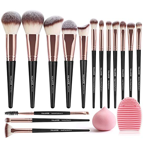 Maquillaje Negro  marca MAANGE