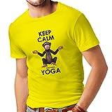 lepni.me Camisetas Hombre Mantenga la Calma y Haga Yoga Ashtanga Hatha Kundalini Yoga Prenatal (Medium Amarillo Multicolor)