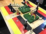 Tischsets I Platzsets - Flagge Deutschland und Fussball Spielfeld grüner Rasen - 12 Stück in hochwertiger Aufbewahrungsmappe (6x Flagge und 6x Spielfeld) Tischdekoration für echte Fans