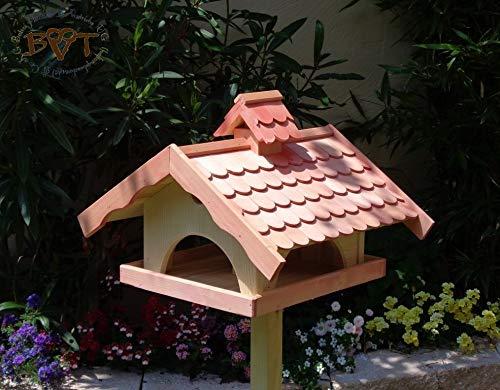 Vogelhaus,groß,mit Ständer,BEL-X-VONI5-LOTUS-LEFA-MS-rot002 Robustes, stabiles wetterfestes PREMIUM Vogelhaus mit wasserabweisender LOTUS-BESCHICHTUNG VOGELFUTTERHAUS + Nistkasten 100% KOMBI MIT NISTHILFE für Vögel KOMPLETT mit Ständer wetterfest lasiert, FUTTERHAUS für Vögel, WINTERFEST – MIT FUTTERSCHACHT Futtervorrat, Vogelfutter-Station Farbe Rot lachsrot behandelt , weinrot hellrot knallrot, MIT TIEFEM WETTERSCHUTZ-DACH für trockenes Futter, Schreinerarbeit aus Vollholz - 4