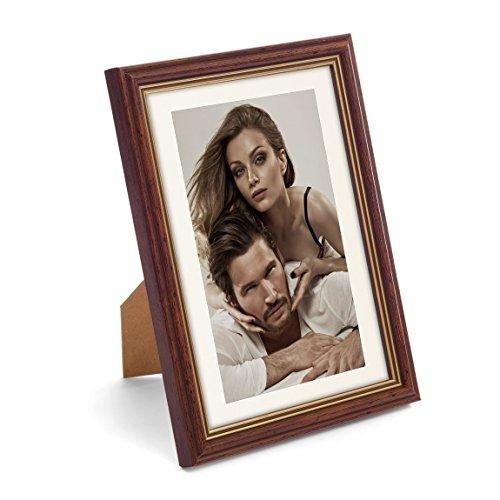 Artepoint Holz Bilderrahmen Astra von 9x13 bis 40x50 mit weißem Passepartout Querformat und Hochformat zum Aufhängen und Aufstellen Rahmen Farbe Dunkelbraun mit goldenem Innenrand - Format 15x21
