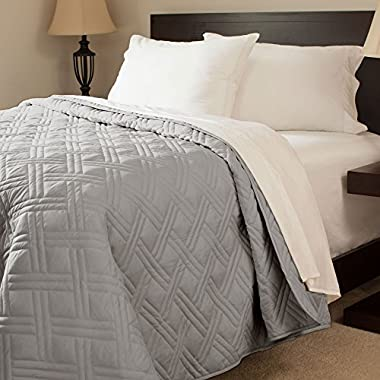 Lavish Home Solid Color Bed Quilt, King, Silver