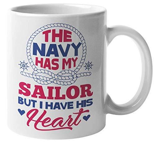 La Marina tiene a mi marinero pero yo tengo su corazón Linda taza romántica de regalo de café y té para mujeres con un marinero, un marino, un tripulante, un capitán, un soldado y un novio náutico (11