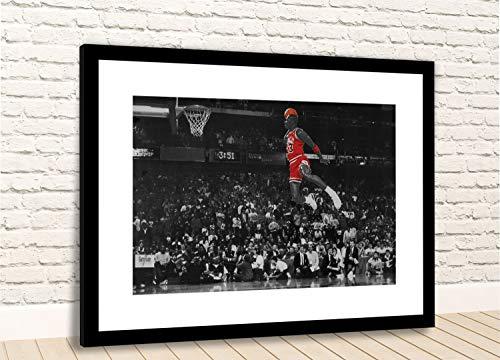 WallArt 10418 Michael Jordan Famous Foul Line Dunk Vintage Sports Basketball - Póster Enmarcado, 24x18