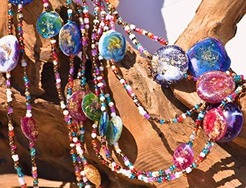 collana in perline di vetro e gemme di resina artistica, gioiello interamente artigianale. Materiali anallergici. Utilizzabile lunga o girocollo. Regalo donna. Multcolor