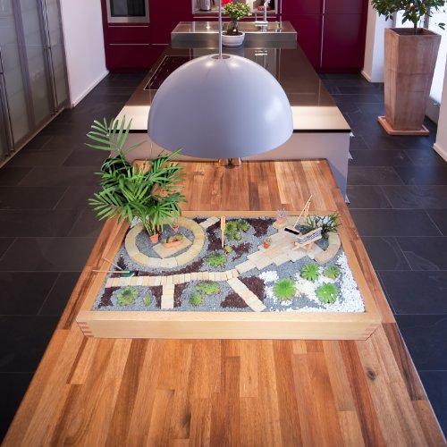 GREEN24 Miniaturgarten - Zimmergarten, Kleiner mobiler Garten - der Garten für die Wohnung - Grundversion Buche hell gewachst