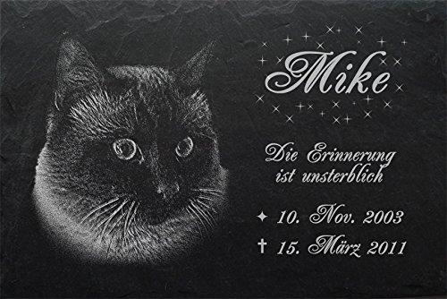 """Schiefertafel mit wetterfester Lasergravur des Motives """"Katze-009"""" (mit dem Musterbild oder Ihrem eigenen Foto - siehe Auswahl) und Ihrem Text/Daten in der gewünschten Schriftart z.B. als Grabschmuck auf das Grab oder als Schmucktafel für Zuhause von"""