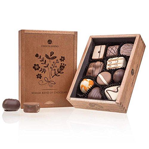 Elegance - Ladies - 10 Luxus Pralinen | Premium Qualität in edler Holz-Box | Holzkästchen | Geschenk aus Schokolade | Geschenkidee für Frauen | Muttertag | Geburtstag | Frauentag